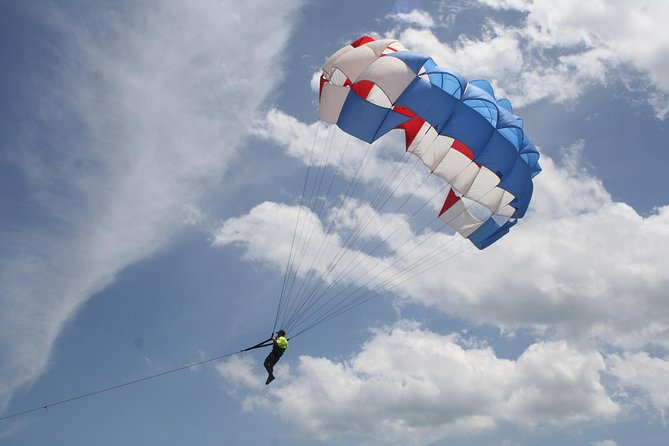 Touch the sky - Parasailing
