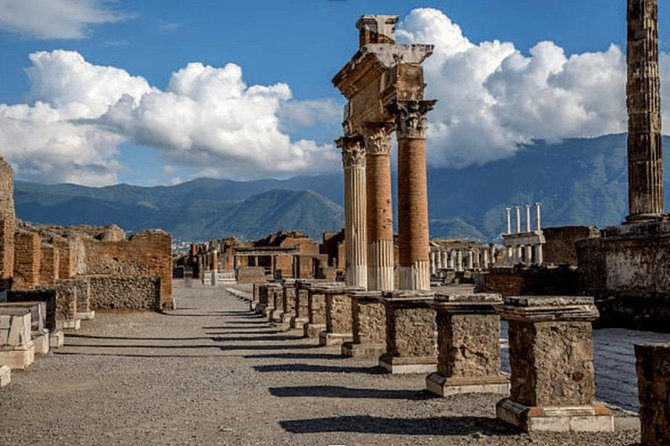 PORT OF CALL TOUR: Pompeii and Visit to Vineyard with Lunch