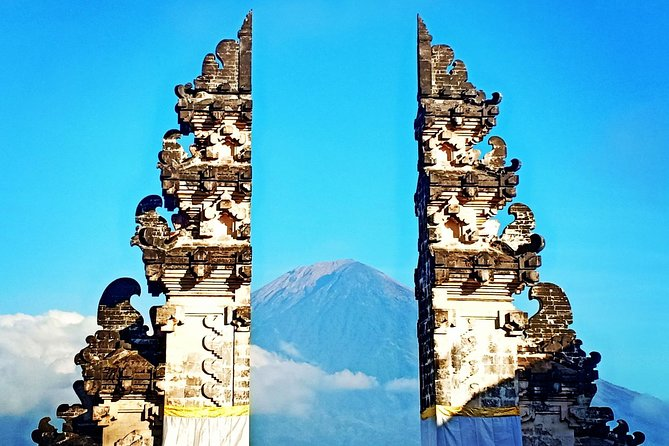Eastern bali tour. lempuyang temple,tirta gangga,goa lawah, virgin beach.