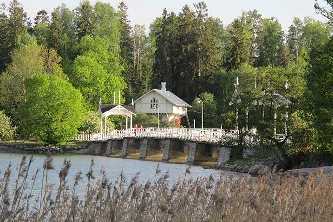 Сity tour in Helsinki and Seurasaari island by VIP car with private guide
