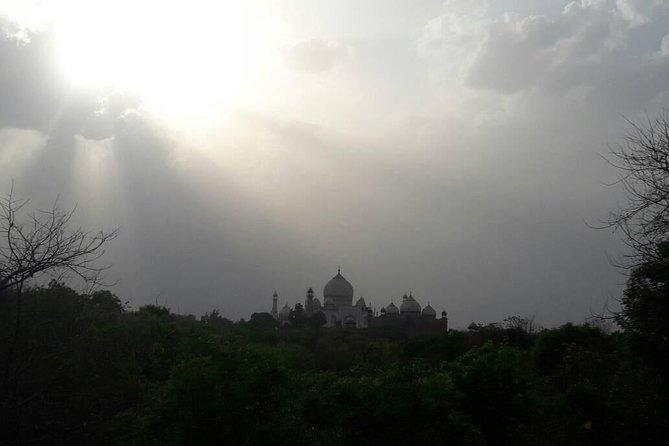 Taj Mahal same day tour by Car.