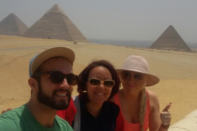 Day Tour to The National museum and Giza Pyramids