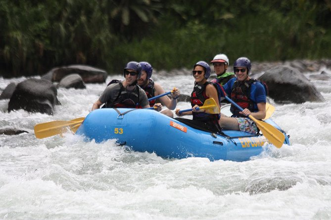 Rafting III-IV in Pacuare River