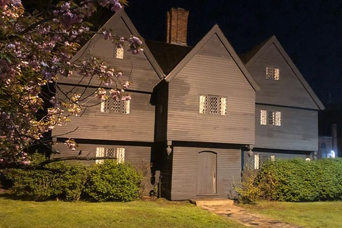 Haunted History of Salem Guided Walking Tour