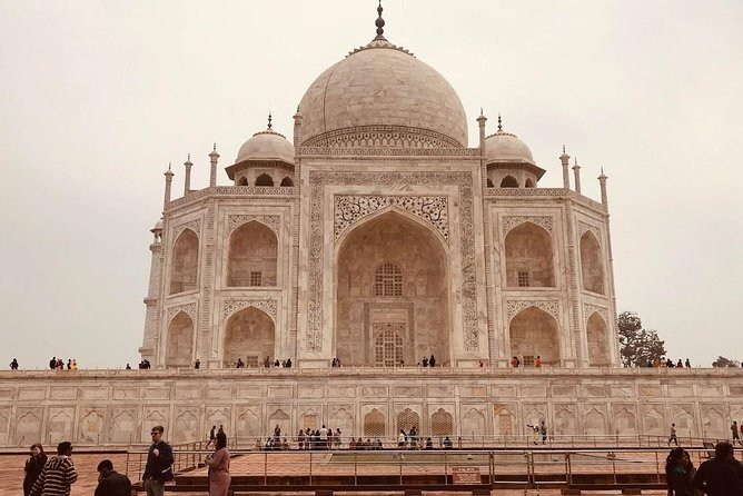 From Delhi: Taj Mahal Tour & Agra Fort By Car photo 7