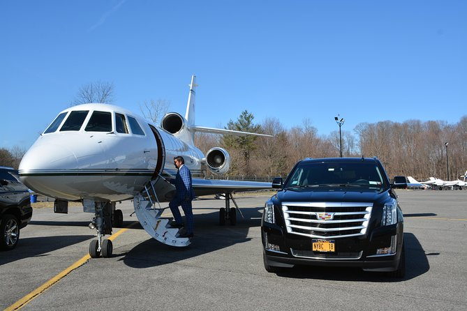LaGuardia Airport To NYC VIP Private Transfer Service Max 5 Pass Max 5 luggage