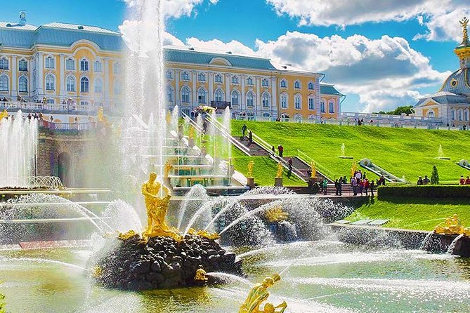 Excursions in the city of St. Petersburg photo 8