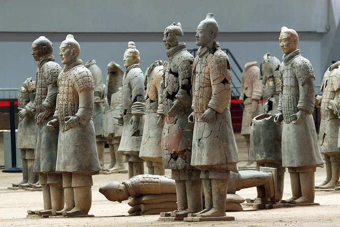 2-Day Xi'an Private Tour to Terracotta Warriors, City Wall, Giant Pagoda