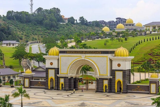 Kuala Lumpur (15 Attractions) Half-Day City Tour (3.5Hrs)