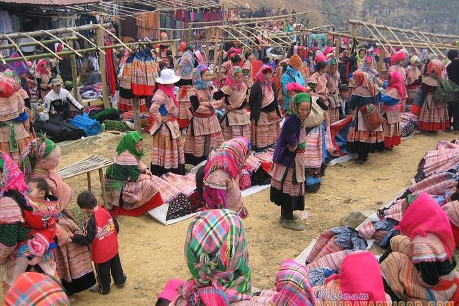 Hanoi - Sapa - Bac Ha Market 2days/1night by Bus( Depart on Sat)