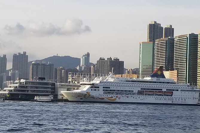 Hong Kong Private Transfer: Cruise Terminals to Hong Kong International Airport