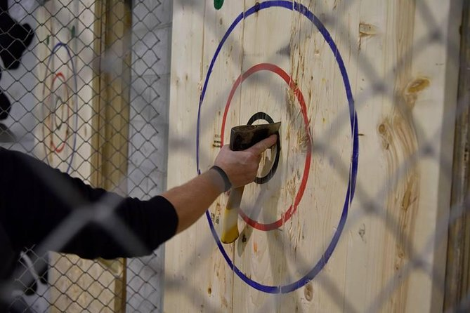 1 Hour Axe Throwing Experience