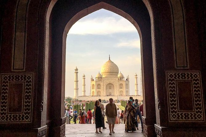 Same Day Trip to Taj Mahal by Chauffeur driven Car