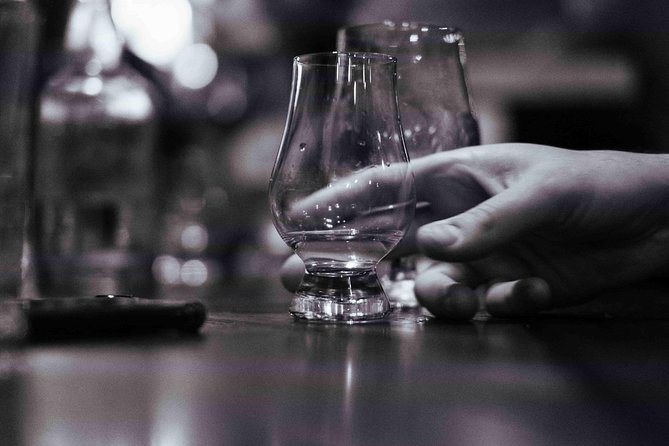 Melbourne History & Whisky Bars Tour