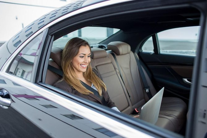 Round Trip Transfer in Private Vehicle from-to Miami Airport in Miami Downtown