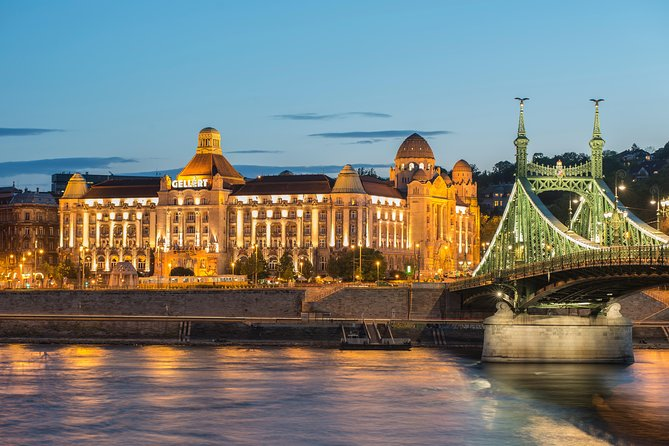 Romantic Couples Package in Budapest:Gellert Spa Visit with Danube Dinner Cruise