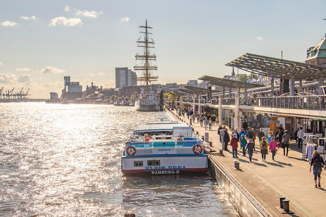 Discover the Hamburg Harbor Area with a Local