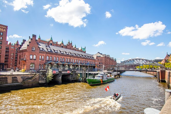 Walk across Hamburg's most famous Brew Pubs with a Local