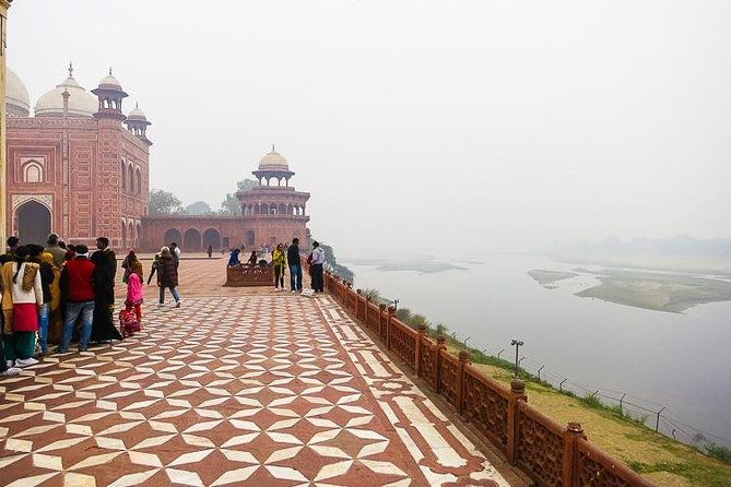 Taj Mahal Day Tour from Delhi with Breakfast, Lunch & Dinner by Fastest Train