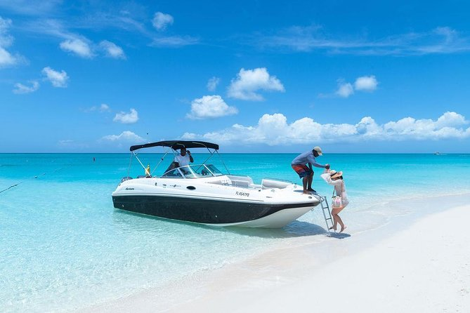 Private Boat Tours to outer islands, snacks drinks- snorkel- cruise!