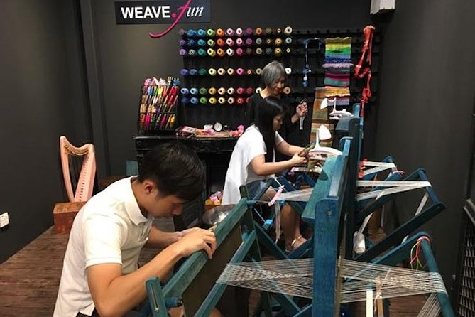Weave your own scarf @MidValley MegaMall photo 1