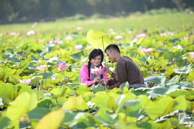 One-day-lost In Blooming Lotus Paradise