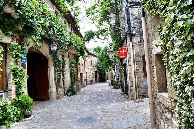 Royalty Catalunya History-Private Tour to the Medieval Villages of Costa Brava