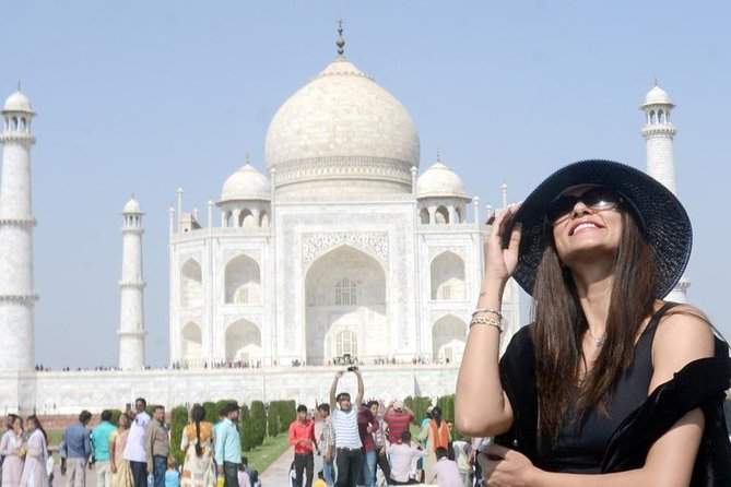 2-Day Taj Mahal Sunrise Tour from Mumbai by Round Trip Flights