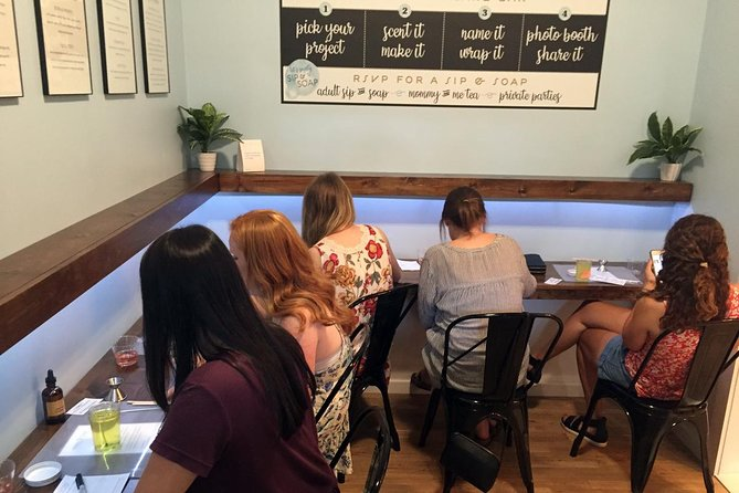 Chattanooga Make-Your-Own Custom Candle Crafts Class