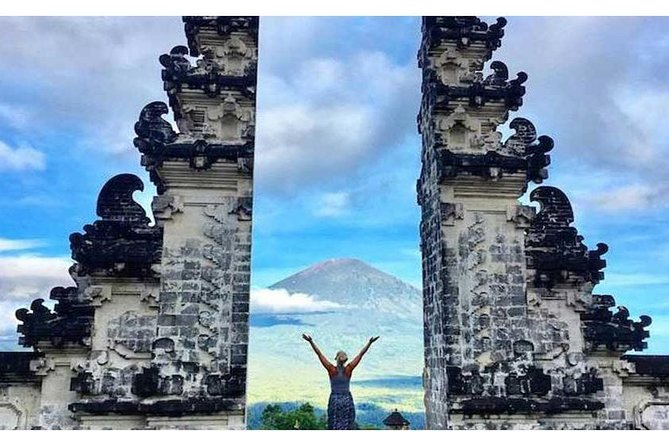 PrivateTour: Gate of Heaven at Lempuyang Temple & TamanTirta Gangga Tour