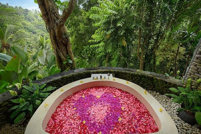 Lulur Body spa treatment in Bali island