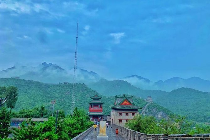 Beijing Private Tour to Juyongguan Great Wall and Longqing Gorge with Boat Ride