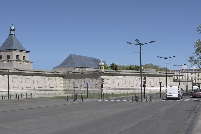 Stroll in old Bordeaux between real and virtual