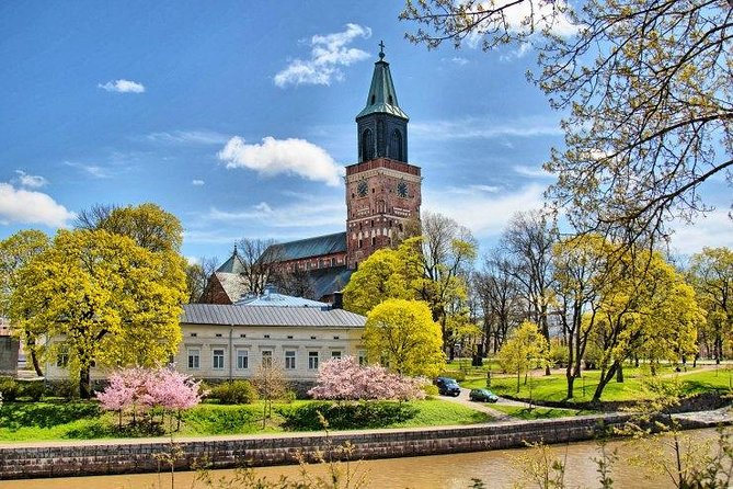 Private Helsinki Tour to Turku by LUXURY car with Personal guide