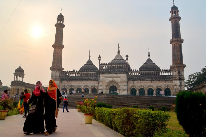 Old City Walk - The Lucknow of Nawabs and before