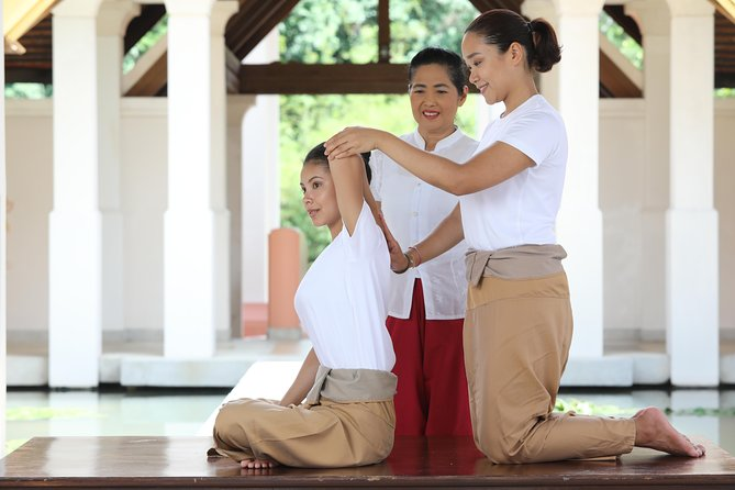 Partner Massage Lesson 3 Hrs ( Thai or Aromatherapy )