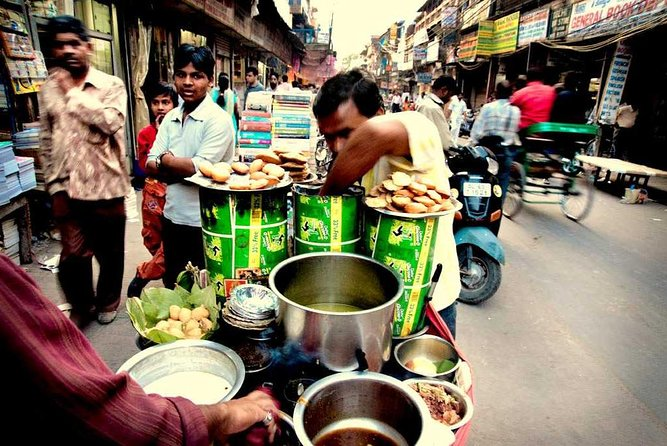 Street Food Crawl in Old Delhi photo 3