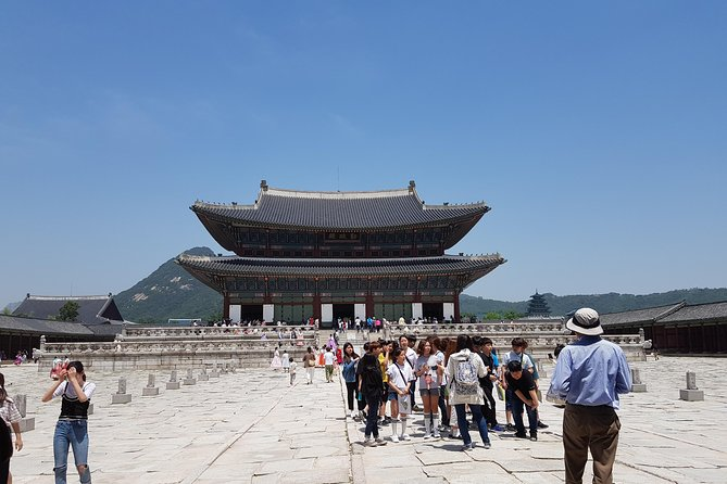 Seoul City Sightseeing Tour Including Gyeongbokgung Palace, N Seoul Tower, and Namsangol Hanok Village