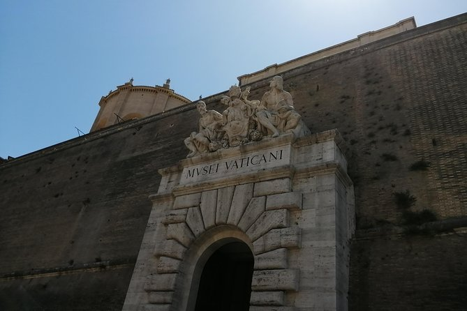 Family private tour for Sistine Chapel and vatican city all important highlights