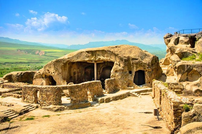 Private day tour in Uplistsikhe and Mtskheta from Tbilisi