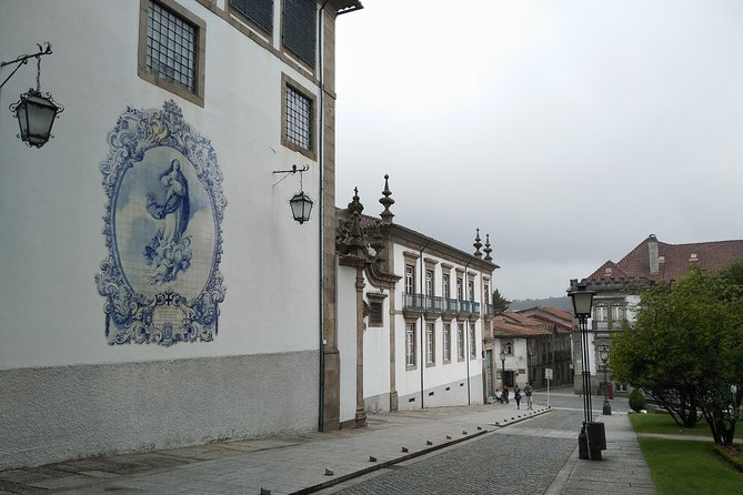 Guimarães and Braga day tour with Monuments Tickets...Castle, Palace, Cathedrals