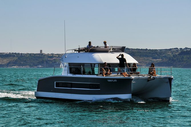 Motor catamaran up to 18 people in Lisbon photo 14