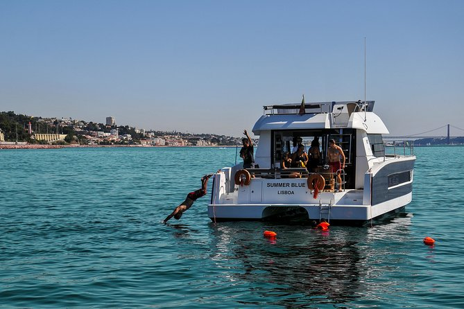 Motor catamaran up to 18 people in Lisbon photo 6