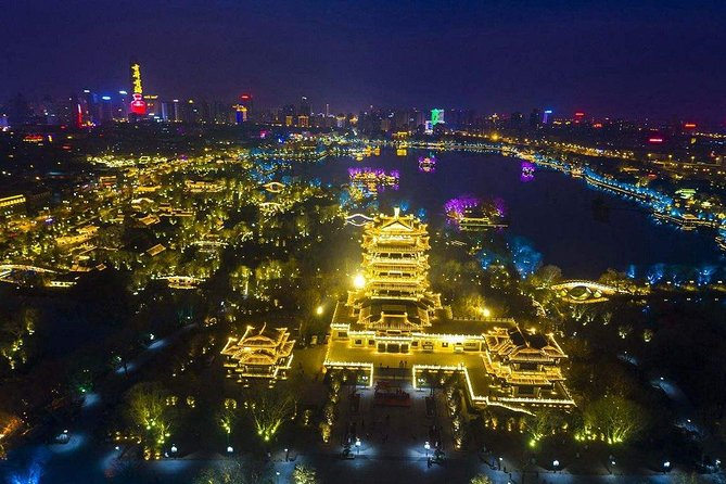 Jinan Private Night Tour of Daming Lake Light Show and Dinner