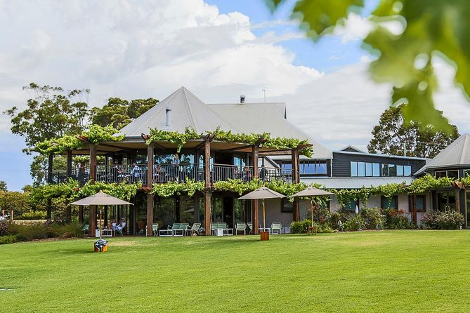 Full-Day Winery and Brewery Tour in Margaret River with Lunch