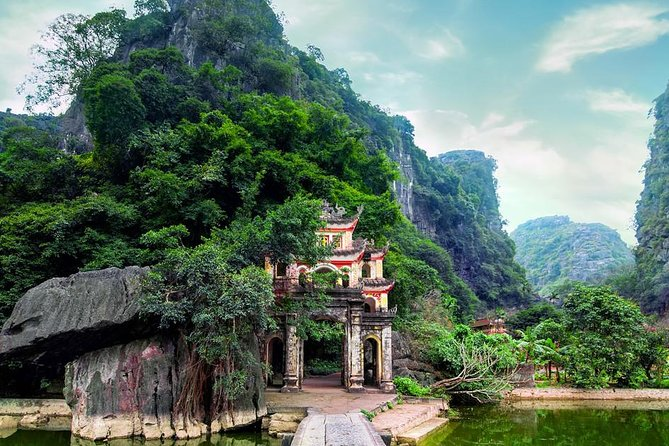 Ninh Binh- Trang An-Hoa Lu - Hang Mua ( Mua Cave) 2 Days 1 Nights
