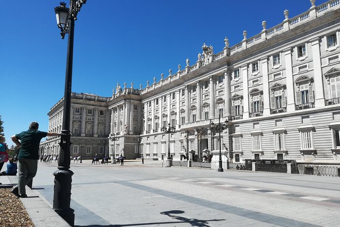 Walking tour | Madrid old town | Reduced groups