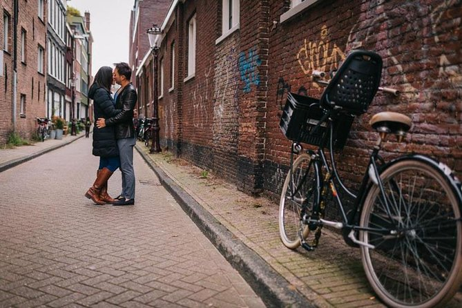 Private Photo Session with a Local Photographer in Rotterdam