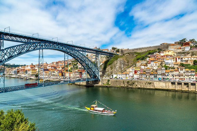 Porto Premium 3 in 1: Hop-On Hop-Off Bus, Tram Tour and Guindais Funicular