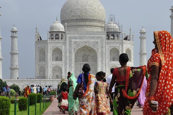 Weekend tour to India 2 Nights 3 Days